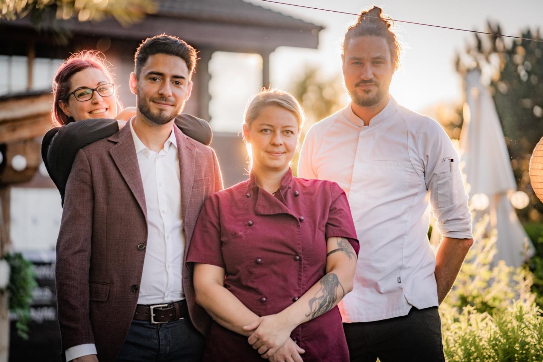 L'équipe du restaurant Le Vieux Chalet à Nendaz